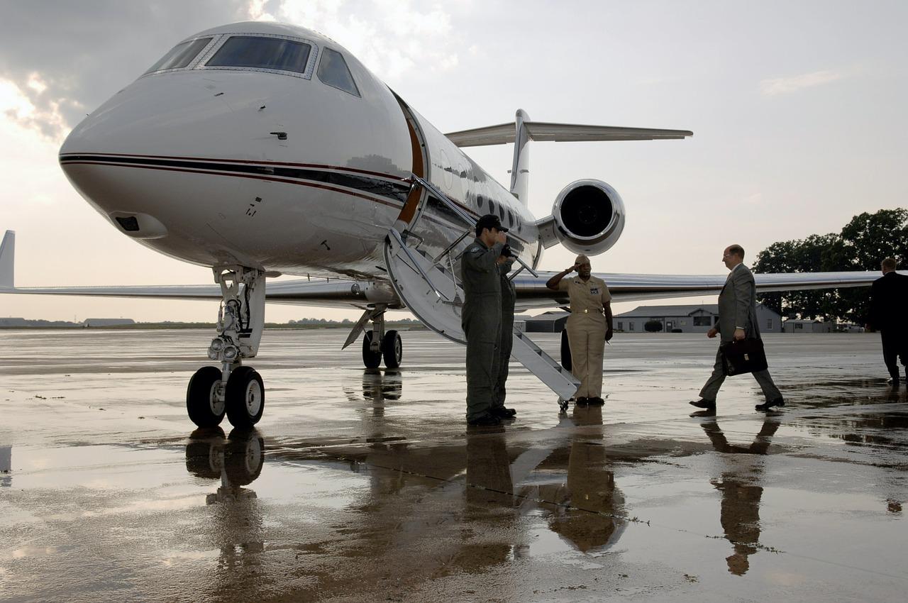 空飛ぶホテル?世界で最も高価なプライベートジェット9選