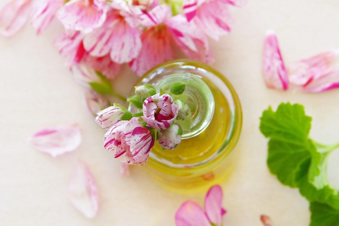 ウイルスにも立ち向かう偉大なる植物の香り。 アロマセラピーの数年後の市場規模は28億ドル?!